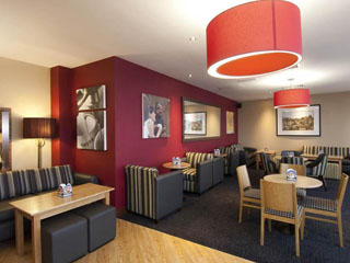 Premier Inn Gatwick Airport North Terminal image7